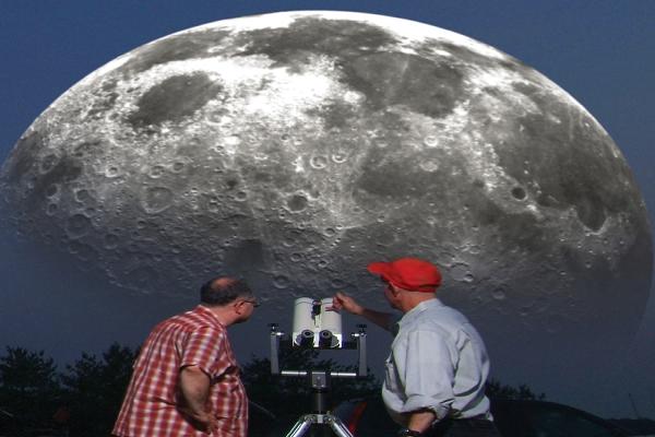 La distancia entre la Luna y la Tierra explicada por emaze